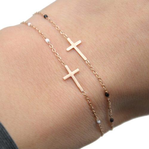 Bracelet-Fine-Chaine-Mini-Perles-Email-avec-Croix-Acier-Or-Rose