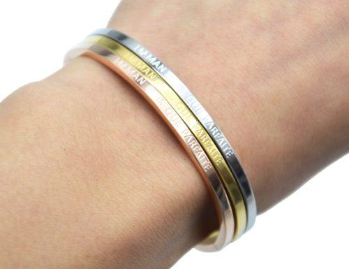 Bracelet-Jonc-Fin-Acier-avec-Message-Maman-Plus-Que-Parfaite