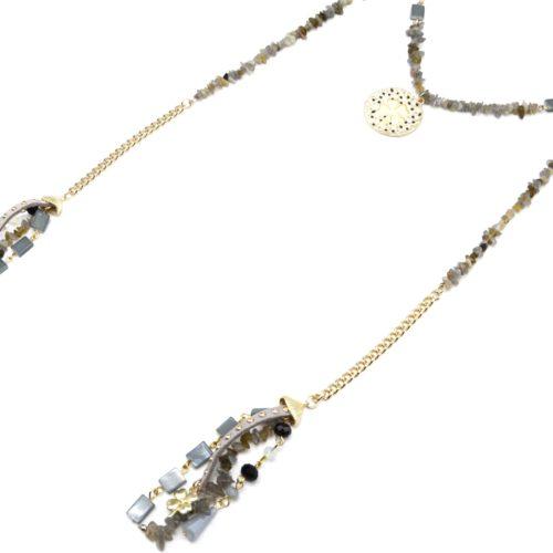 Sautoir-Collier-Chaine-a-Enrouler-avec-Perles-Pierres-Grises-et-Charms-Trefles-Metal-Dore