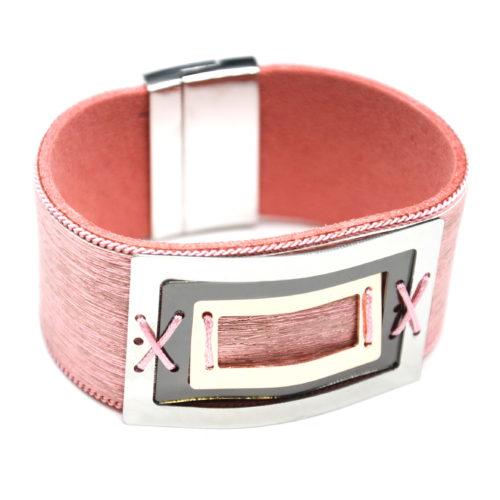 Bracelet-Manchette-Feutrine-Tissu-Satine-Rose-avec-Multi-Rectangles-Metal-Tricolore
