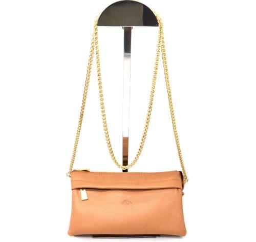 Pochette-Sac-Cuir-de-Vachette-Camel-avec-Chaine-Bandouliere-et-Fermetures-Zip-Metal-Dore