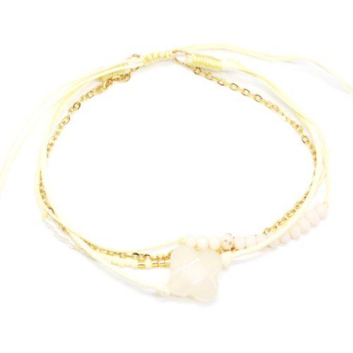Bracelet-Cordon-Multi-Rangs-Perles-et-Fils-Ecru-avec-Charm-Pierre-Trefle