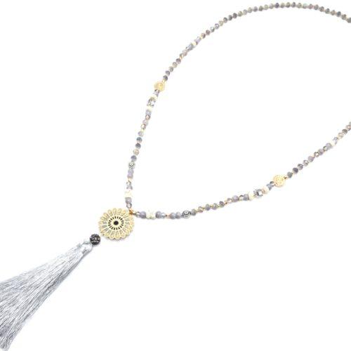 Sautoir-Collier-Mini-Perles-Brillantes-avec-Rosace-Metal-Dore-Shamballa-Gris-et-Pompon-Fils