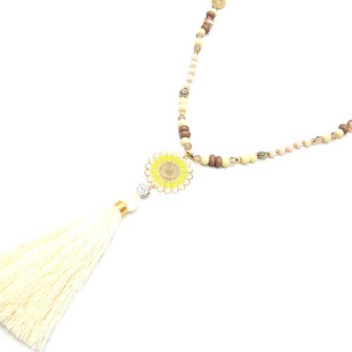 Sautoir-Collier-Mini-Perles-Brillantes-avec-Rosace-Metal-Dore-Boule-Strass-et-Pompon-Ecru