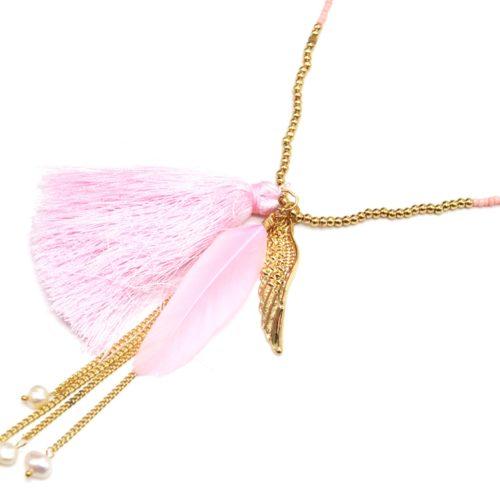 Sautoir-Collier-Mini-Perles-Rocaille-avec-Aile-Metal-Dore-Plume-et-Pompon-Rose