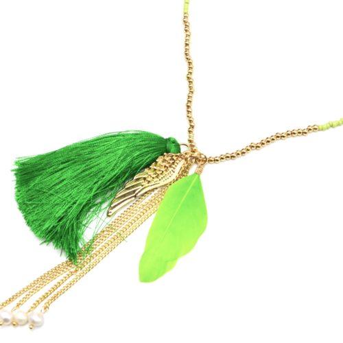 Sautoir-Collier-Mini-Perles-Rocaille-avec-Aile-Metal-Dore-Plume-et-Pompon-Vert