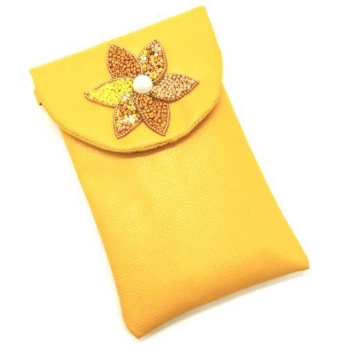 Mini-Pochette-Sac-Bandouliere-Simili-Cuir-Jaune-avec-Fleur-Petales-Perles-Rocaille