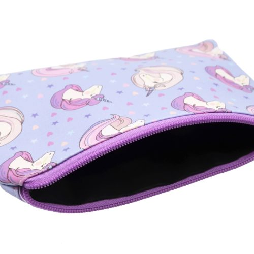 Trousse-Pochette-Souple-Violet-Imprime-Licornes-Coeurs-Etoiles
