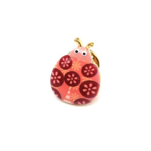 Mini-Broche-Pins-Coccinelle-Motif-Fleuri-Corail-et-Metal-Dore