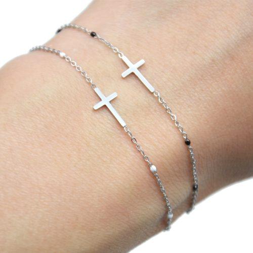 Bracelet-Fine-Chaine-Mini-Perles-Email-avec-Croix-Acier-Argente