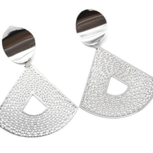 Boucles-dOreilles-Statement-Cercle-et-Triangle-Arrondi-Ajoure-Metal-Argente