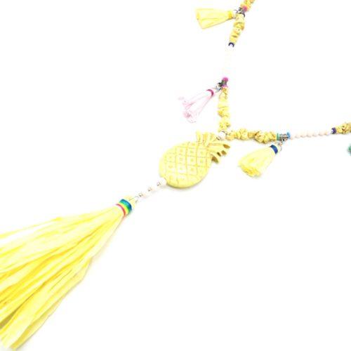 Sautoir-Collier-Perles-Pierres-Effet-Marbre-avec-Ananas-Jaune-et-Pompons-Papier-Soie