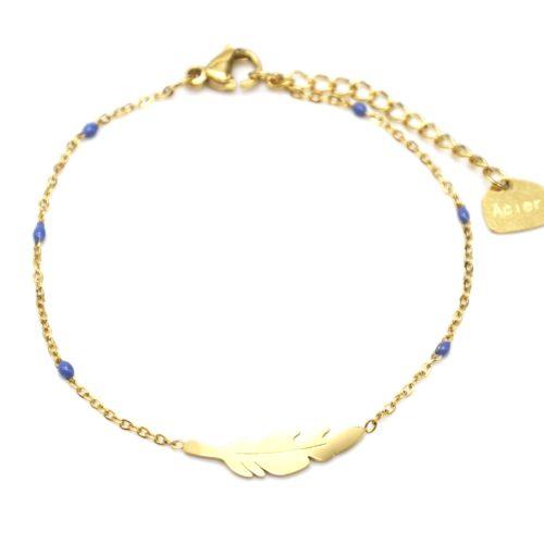 Bracelet-Fine-Chaine-Mini-Perles-Email-Bleu-Fonce-avec-Plume-Acier-Dore