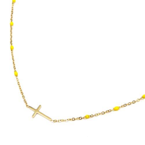Collier-Fine-Chaine-Mini-Perles-Email-Jaune-et-Croix-Acier-Dore