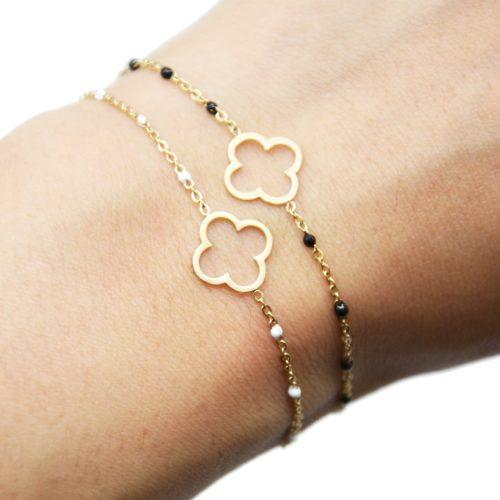 Bracelet-Fine-Chaine-Mini-Perles-Email-avec-Trefle-Acier-Dore
