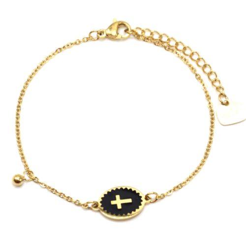 Bracelet-Fine-Chaine-Acier-Dore-avec-Ovale-Email-Noir-Motif-Croix