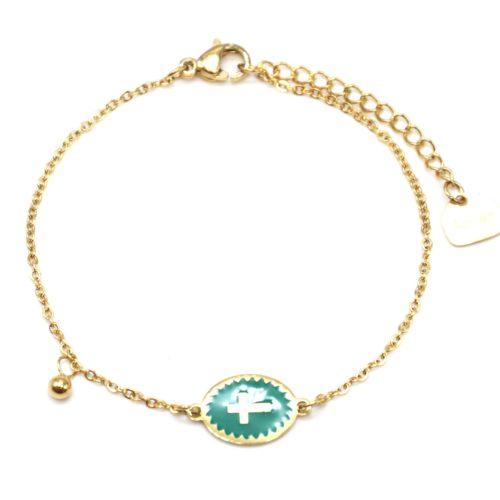 Bracelet-Fine-Chaine-Acier-Dore-avec-Ovale-Email-Vert-Motif-Croix
