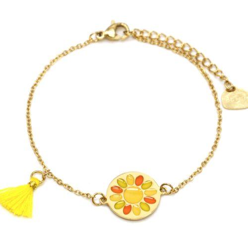 Bracelet-Fine-Chaine-Acier-Dore-avec-Cercle-Fleur-Email-et-Pompon-Jaune