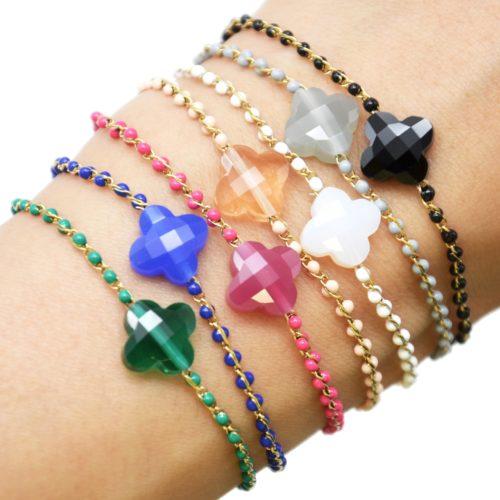 Bracelet-Fine-Chaine-Acier-Dore-Perles-Email-avec-Pierre-Trefle