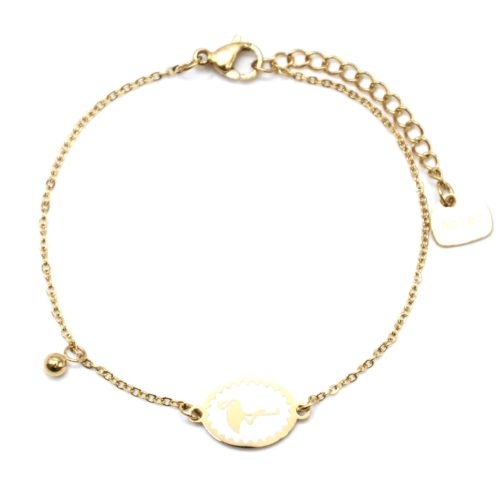 Bracelet-Fine-Chaine-Acier-Dore-avec-Cercle-Email-Blanc-Motif-Flamant-Rose