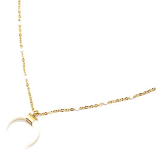 Collier-Fine-Chaine-Mini-Perles-Email-Blanc-et-Corne-Resine-Acier-Dore