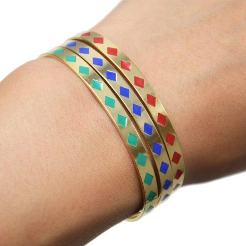 Bracelet-Jonc-et-Chaine-Acier-Dore-avec-Motif-Losanges