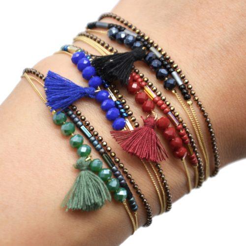 Bracelet-Multi-Rangs-Chaine-Metal-Dore-avec-Perles-et-Pompon