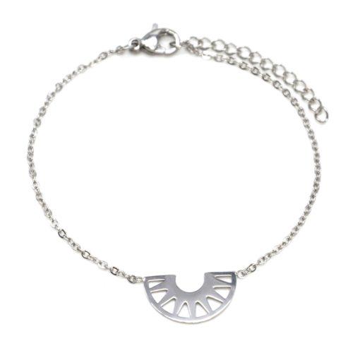 Bracelet-Fine-Chaine-avec-Charm-Demi-Cercle-Ajoure-Acier-Argente