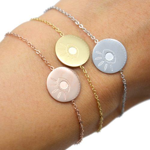 Bracelet-Fine-Chaine-avec-Charm-Medaille-Gravure-Oeil-Acier
