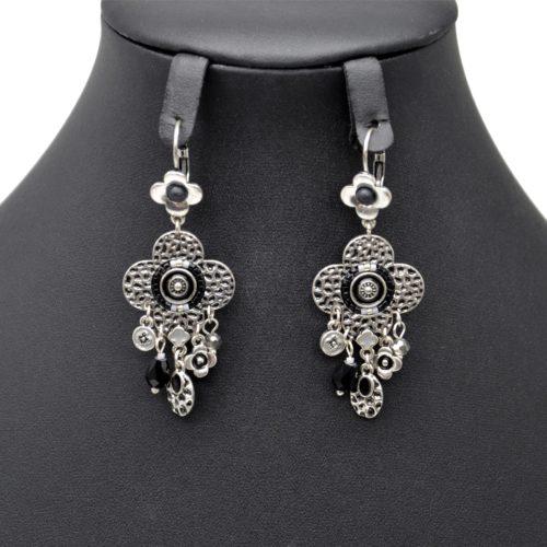 Boucles-dOreilles-Pendantes-Trefle-Metal-Relief-Argente-avec-Multi-Charms-et-Perles-Noires