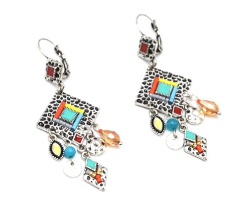 Boucles-dOreilles-Losange-Metal-Relief-Argente-avec-Charms-et-Perles-Multicolore