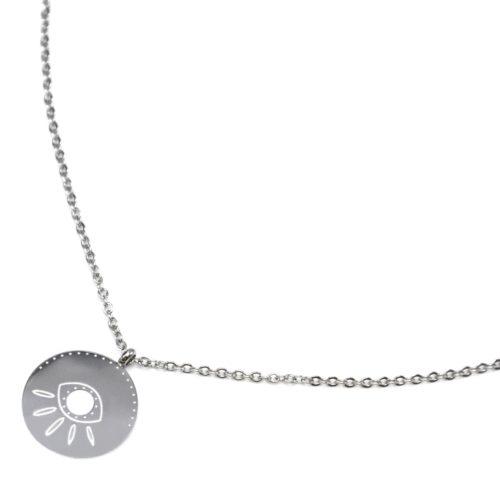 Collier-Fine-Chaine-avec-Pendentif-Medaille-Gravure-Oeil-Acier-Argente