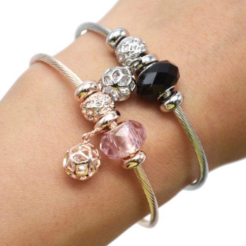 Bracelet-Jonc-Relief-avec-Charms-Perle-Strass-Zirconium-et-Boule-Metal