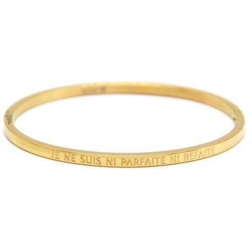 Bracelet-Jonc-Fin-Acier-Dore-avec-Message-Je-Ne-Suis-Ni-Parfaite-Ni-Refaite