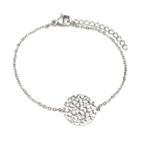 Bracelet-Fine-Chaine-avec-Charm-Medaille-Martelee-Acier-Argente