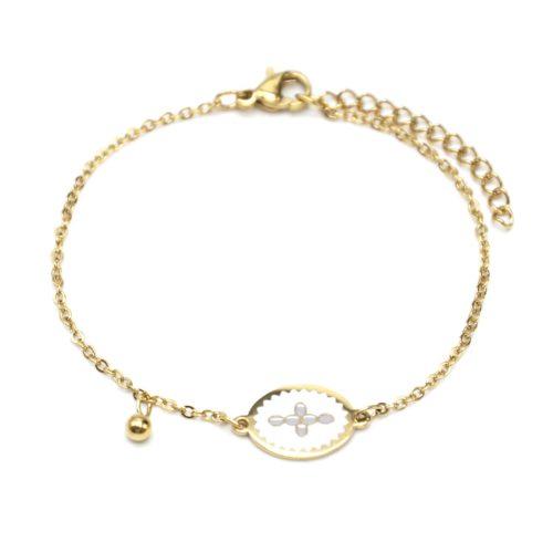 Bracelet-Fine-Chaine-Acier-Dore-avec-Ovale-Email-Blanc-Motif-Croix