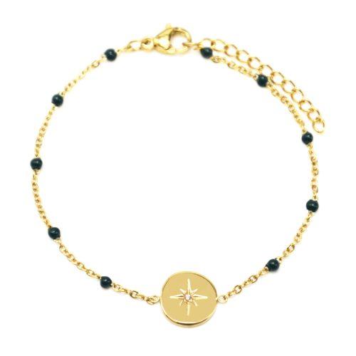 Bracelet-Fine-Chaine-Acier-Dore-et-Mini-Perles-Email-Vert-Sapin-avec-Cercle-Etoile-Polaire