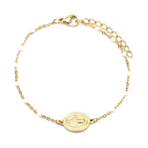 Bracelet-Fine-Chaine-Acier-Dore-et-Mini-Perles-Email-Blanc-avec-Ovale-Vierge-Marie