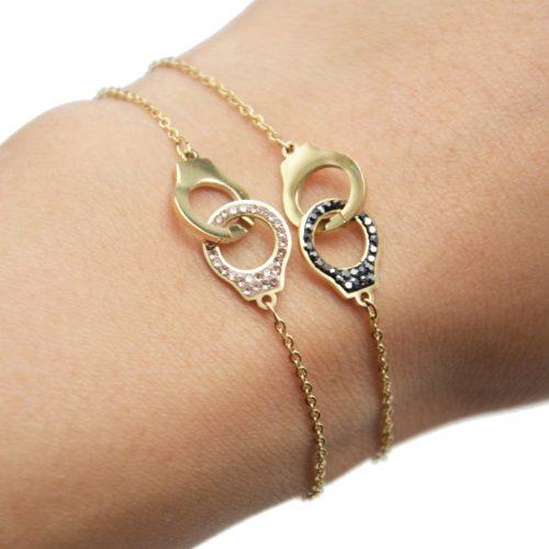 Bracelet-Fine-Chaine-avec-Charm-Menottes-Acier-Dore-et-Strass
