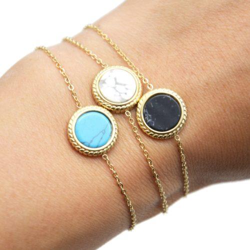 Bracelet-Fine-Chaine-avec-Charm-Pierre-Marbre-Contour-Acier-Dore