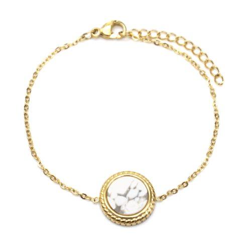 Bracelet-Fine-Chaine-avec-Charm-Pierre-Marbre-Blanc-Contour-Acier-Dore