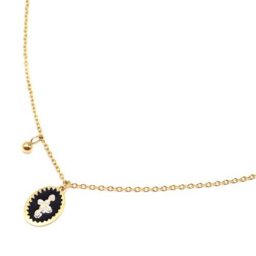 Collier-Fine-Chaine-Acier-Dore-avec-Ovale-Email-Noir-Motif-Croix