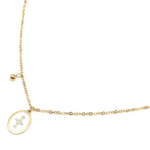 Collier-Fine-Chaine-Acier-Dore-avec-Ovale-Email-Blanc-Motif-Croix