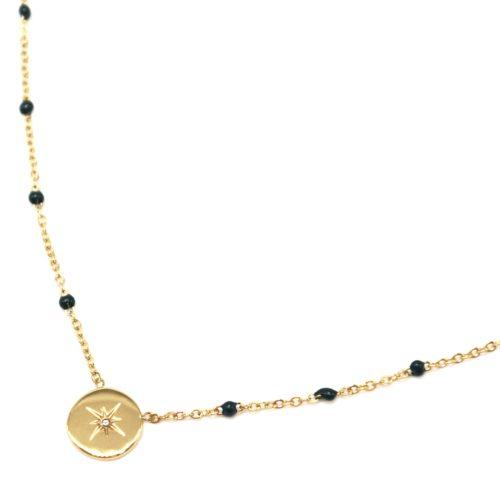 Collier-Fine-Chaine-Mini-Perles-Email-Vert-Sapin-et-Cercle-Etoile-Polaire-Acier-Dore