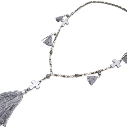 Sautoir-Collier-Perles-Brillantes-avec-Triple-Croix-Pierres-et-Pompons-Fils-Gris