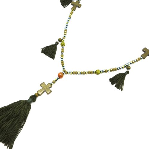 Sautoir-Collier-Perles-Brillantes-avec-Triple-Croix-Pierres-et-Pompons-Fils-Kaki