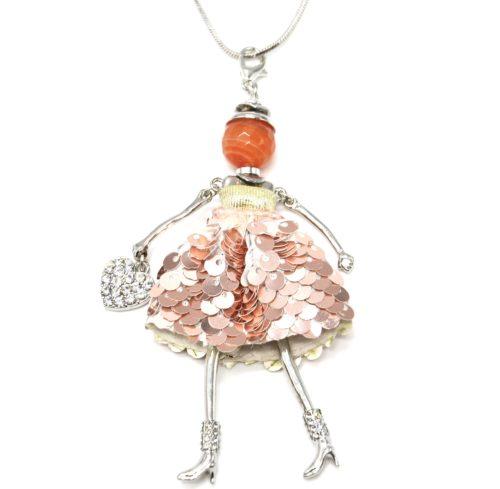 Sautoir-Collier-Pendentif-Poupee-Robe-Perles-et-Sequins-Or-Rose-avec-Coeur-Strass