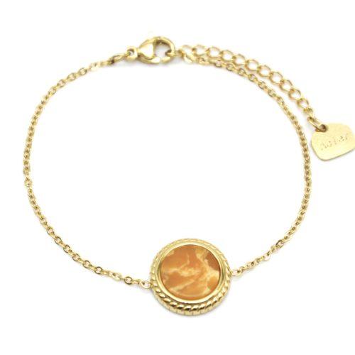 Bracelet-Fine-Chaine-avec-Charm-Pierre-Marbre-Jaune-Orange-Contour-Acier-Dore