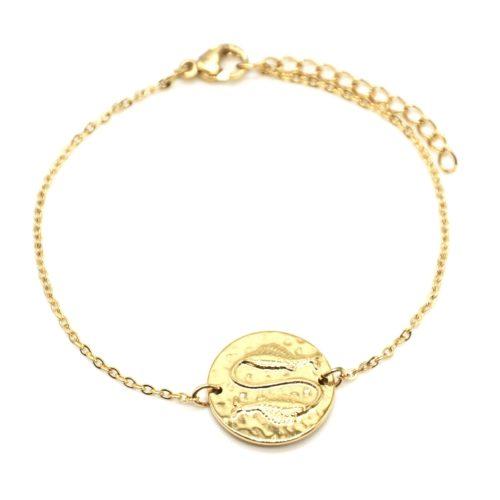 Bracelet-Fine-Chaine-Acier-Dore-avec-Charm-Medaille-Poissons-Signe-Zodiaque