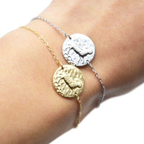 Bracelet-Fine-Chaine-Acier-avec-Charm-Medaille-Belier-Signe-Zodiaque
